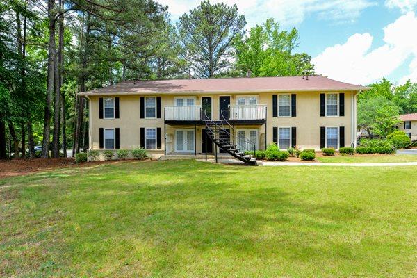 Peaceful, Park-like Setting at The Woods at Southlake | Jonesboro, GA 30236