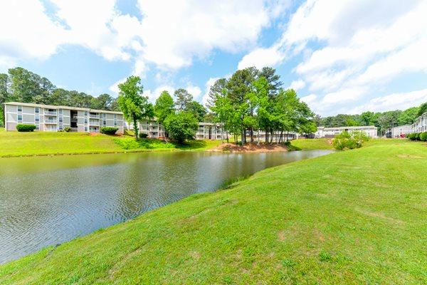 Serene Lake Views at Willow Lake Apartment Homes   Stone Mountain, GA 30083