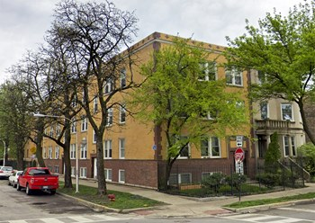 2605-07 N. Spaulding Ave. Studio-3 Beds Apartment for Rent Photo Gallery 1