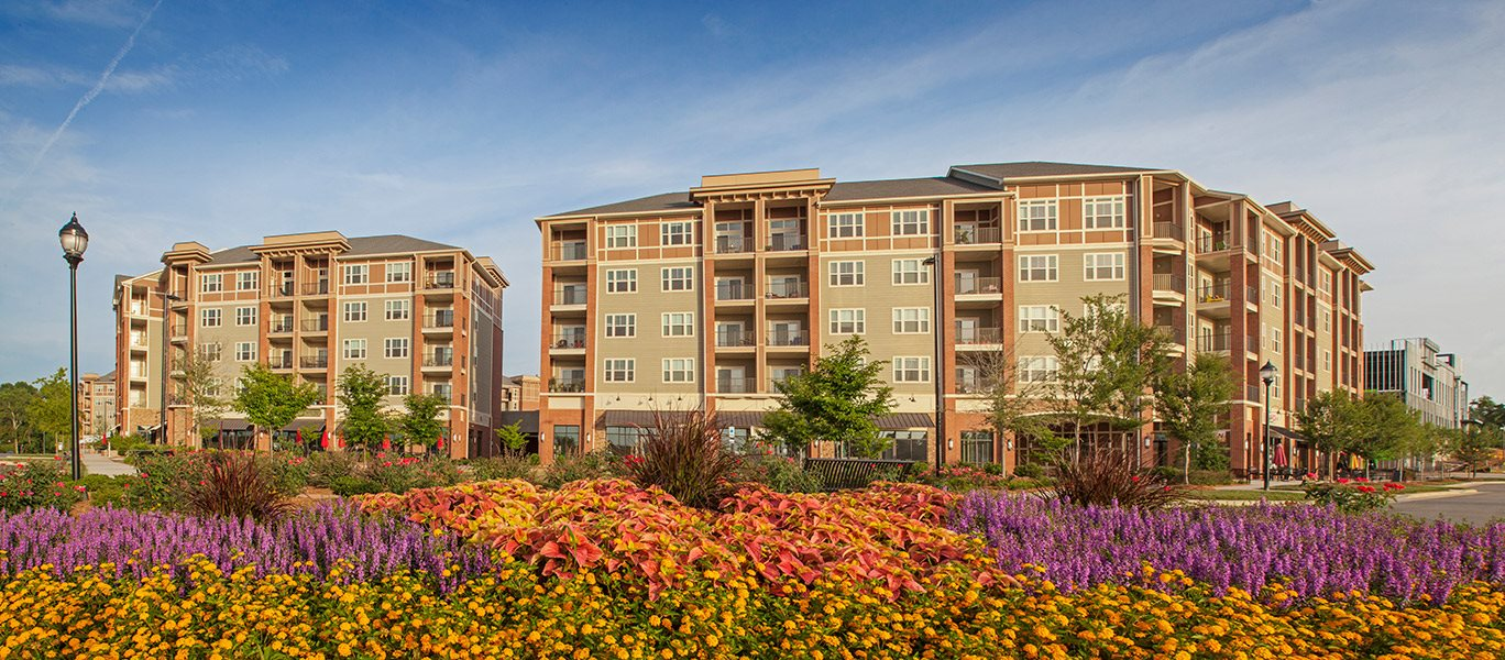 Beautiful Landscapes at LangTree Lake Norman Apartments