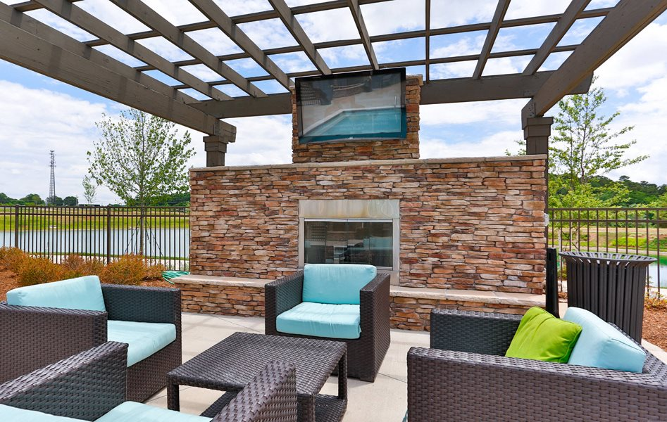 Exterior Lounge at LangTree Lake Norman Apartments
