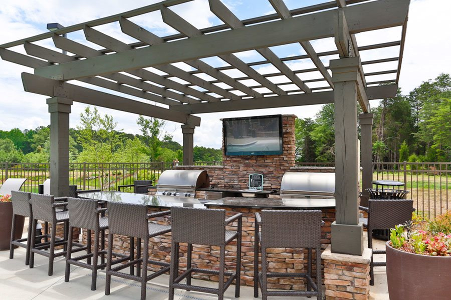 BBQ and Grill at LangTree Lake Norman Apartments