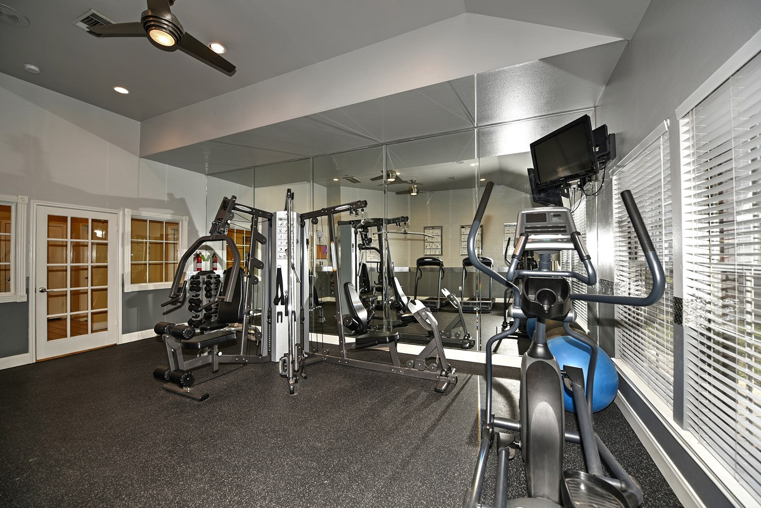 Fitness Center at Park at Walkers Ranch Apartments in San Antonio, TX