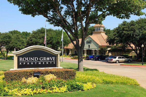 Round grove signage