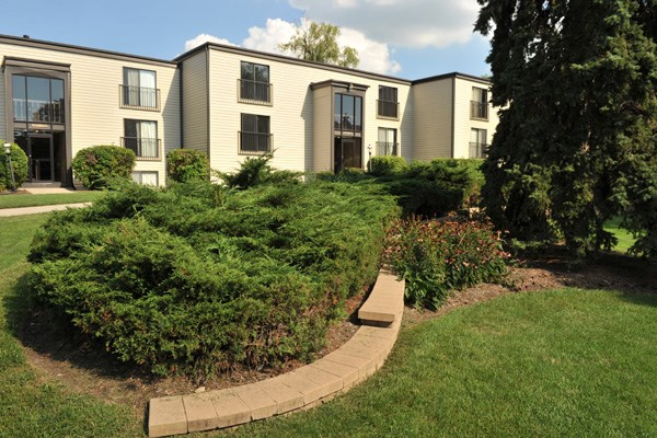 Nature Friendly Surroundings at Prairie Pointe, St. Charles, IL