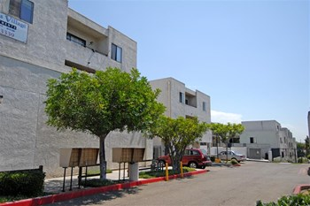 5865 El Cajon Blvd 1-3 Beds Apartment for Rent Photo Gallery 1
