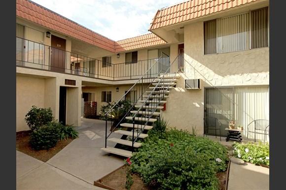 Las Haciendas Apartments 1294 N Mollison El Cajon Ca Rentcaf