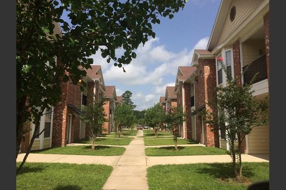 The Creeks Apartments Photo Gallery 2. The Creeks Apartments  15015 Creeks Road  Hammond  LA   RENTCaf