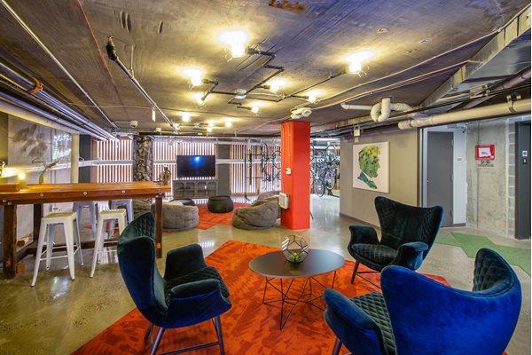 Shaded Lounge Area at Fahrenheit, Washington