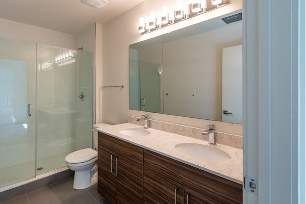 Shower Enclosures at Fahrenheit, Washington