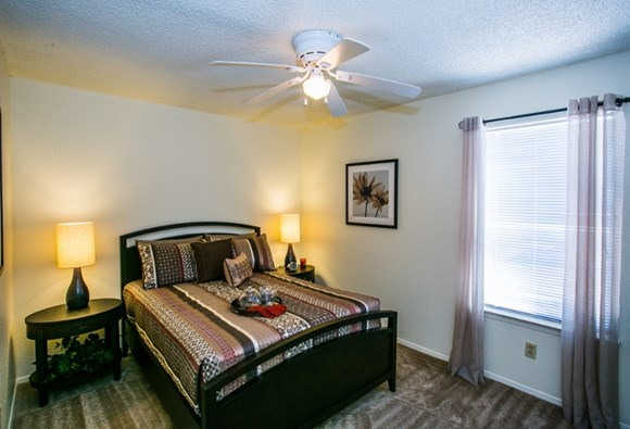 sombra del oso apartment homes, 6000 montano plaza dr nw