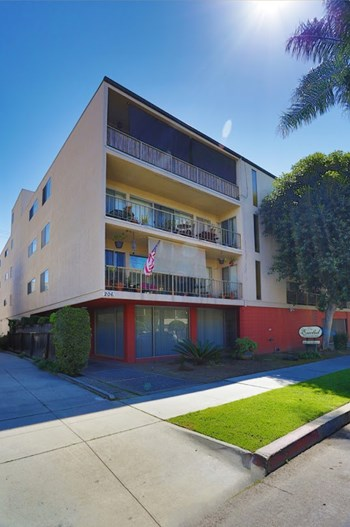 206 Euclid Ave 1-2 Beds Apartment for Rent Photo Gallery 1