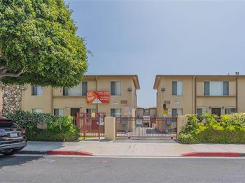 818 - 820 N. Eucalyptus Avenue 1-3 Beds Apartment for Rent Photo Gallery 1