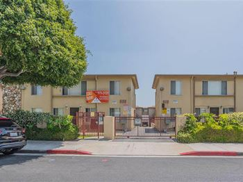 818 & 820 N. Eucalyptus Avenue 1-3 Beds Apartment for Rent Photo Gallery 1