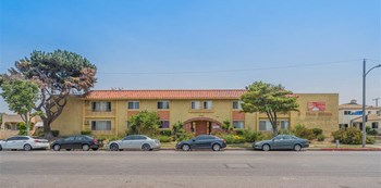 948 S. Inglewood Avenue 2 Beds Apartment for Rent Photo Gallery 1