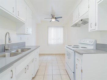 5254 Atlantic Avenue Studio-3 Beds Apartment for Rent Photo Gallery 1