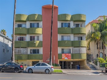 422 S. Mariposa Avenue 1-2 Beds Apartment for Rent Photo Gallery 1