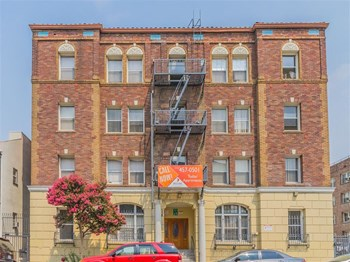 738 S. Mariposa Avenue Studio-2 Beds Apartment for Rent Photo Gallery 1