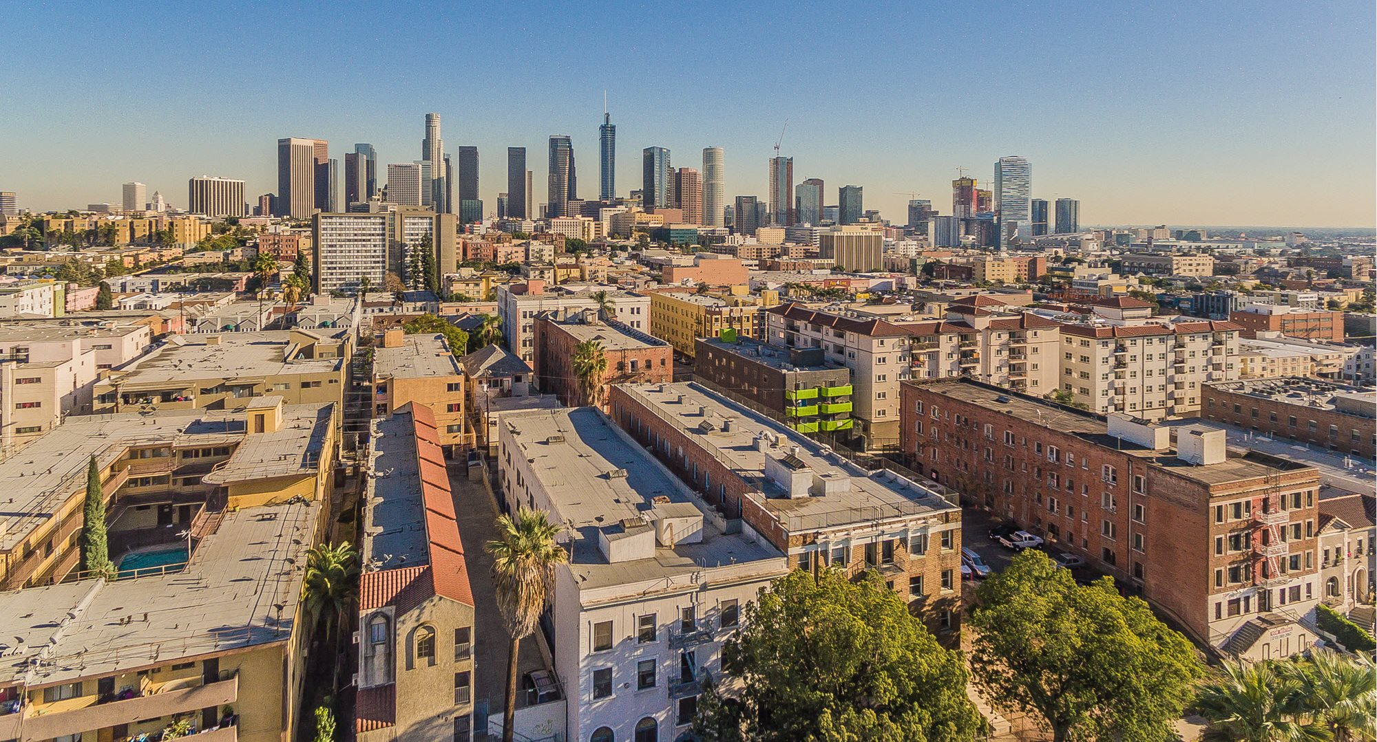 Westland @ Regina| Apartments in Los Angeles, CA