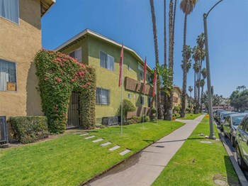 4609-4663 Coliseum Street 1-3 Beds Apartment for Rent Photo Gallery 1