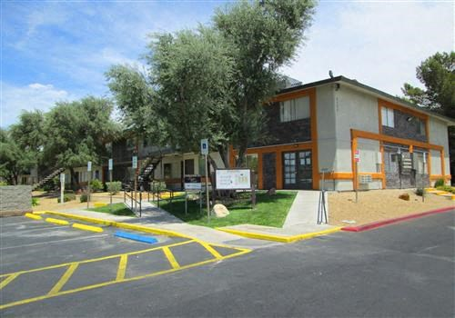 Corona del Sol Apartments Community Thumbnail 1