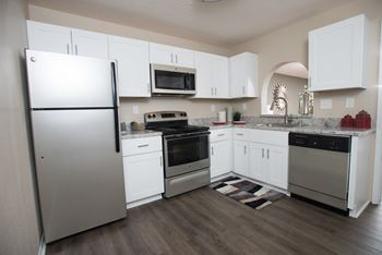 100 Tree Crossing Parkway 1-3 Beds Apartment for Rent Photo Gallery 1