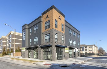 4431 Chouteau, Suite 1101 1-2 Beds Apartment for Rent Photo Gallery 1
