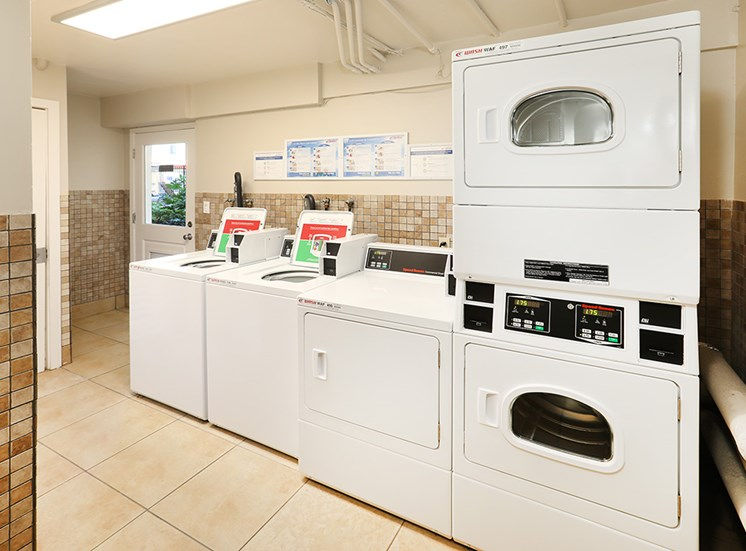 CA_Redwood City_Sequoia Redwood City_Community Laundry Room