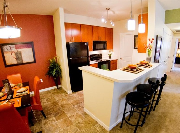 Island View Apartments_Richland WA_42 Inch Kitchen Cabinets