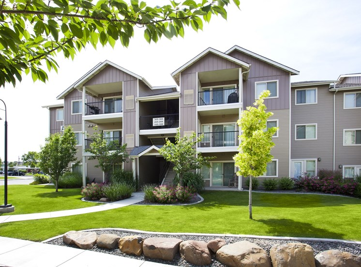 Island View Apartments_Richland WA_Building Exterior