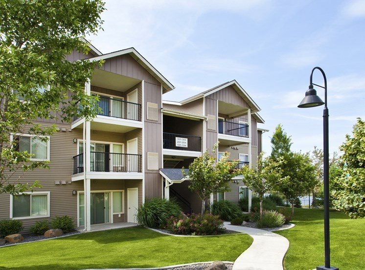 Island View Apartments_Richland WA_Building Facade