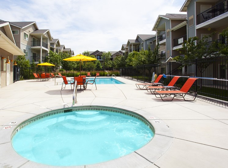 Island View Apartments_Richland WA_Community Spa