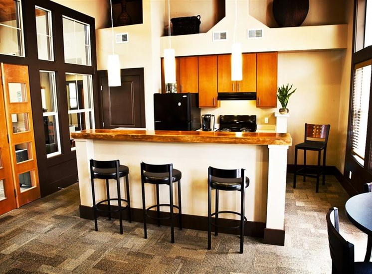 Island View Apartments_Richland WA_Entertainment Kitchen