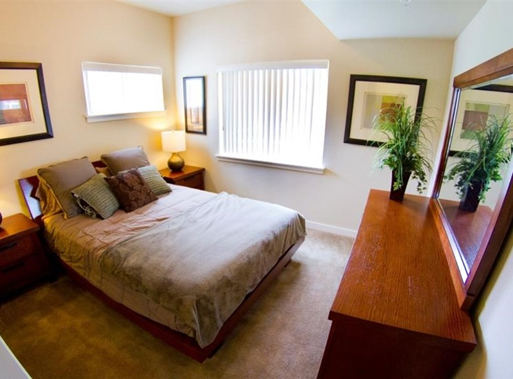 Island View Apartments_Richland WA_Master Bedroom