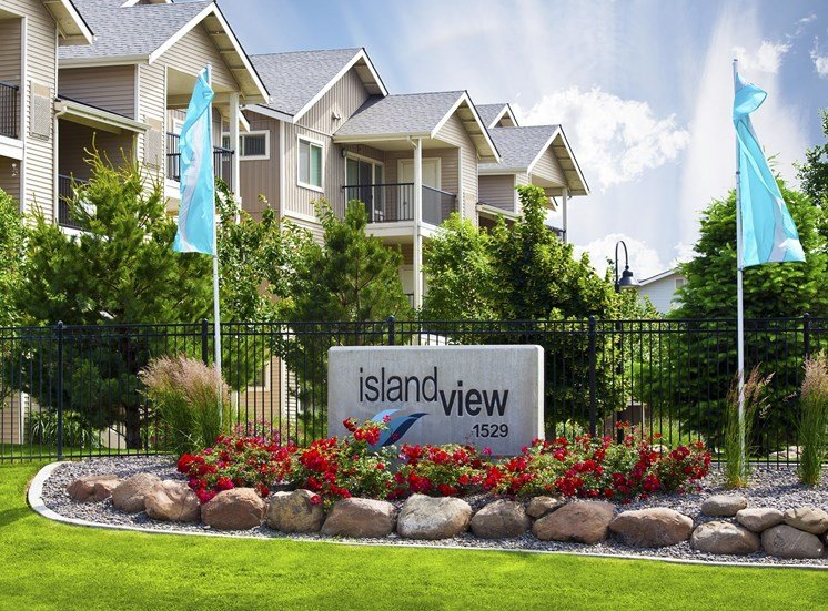 Island View Apartments_Richland WA_Monument Sign