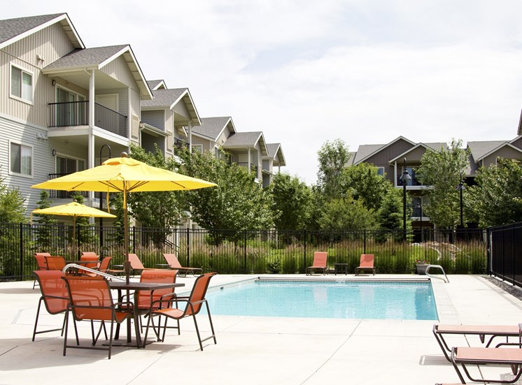 Island View Apartments_Richland WA_Pool Deck