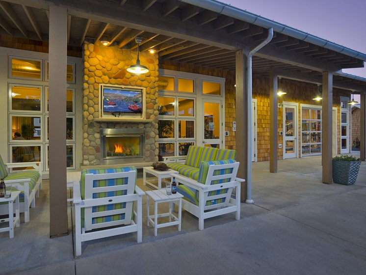 WA_Spokane Valley_River House Apartments_Community Outdoor Living Spaces