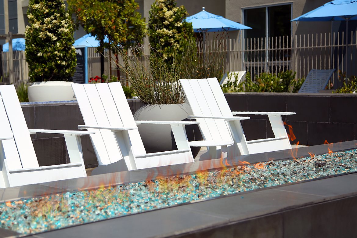Mosaic Apartments_Oxnard CA_Fire Pit Seating