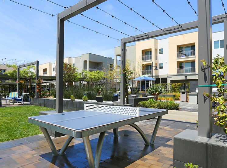 Mosaic Apartments_Oxnard CA_Outdoor Game Tables