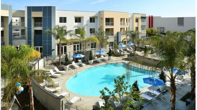 Mosaic Apartments_Oxnard CA_Sparkling Community Pool and Spa