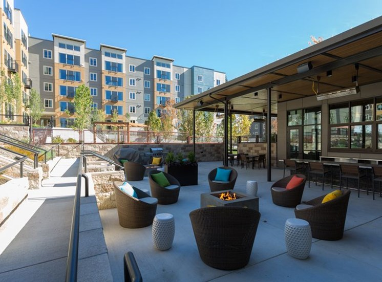 Outdoor Seating and BBQ Grills at Trillium Apartments, 4902 148th Street, WA 98026