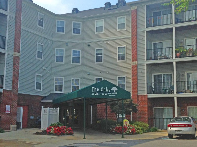 Welcome to the Oaks at Olde Towne!