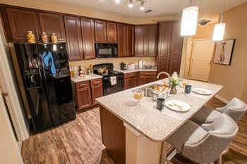 940 City Plaza Way 1 Bed Apartment for Rent Photo Gallery 1