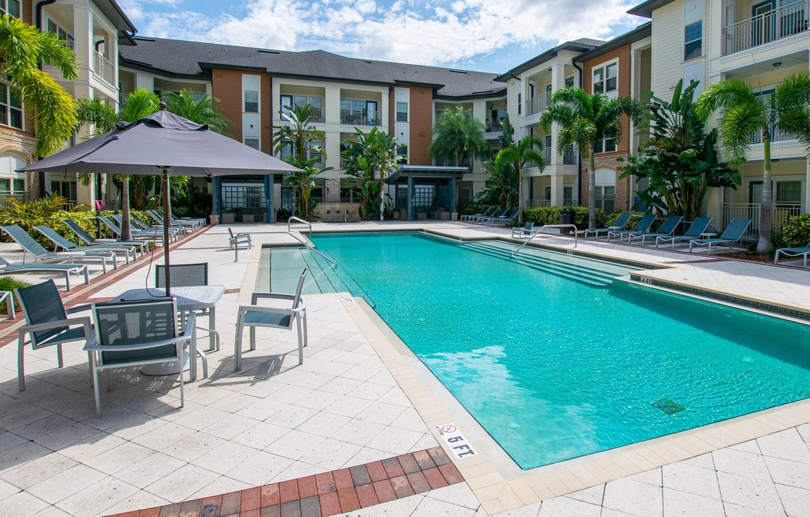 Swimming Pool at Park Place Apartments