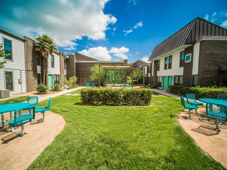 Beautiful Landscaping and Park-like Setting at Mesh Properties, Austin, TX
