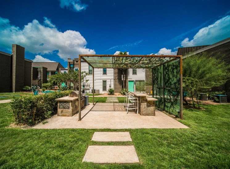 Beautifully Landscaped Grounds at Mesh Properties, Austin, TX, 78741