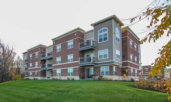 5194 Sassafras Drive 1-2 Beds Apartment for Rent Photo Gallery 1