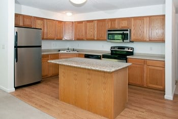 993 Woodhill Court 1 Bed Apartment for Rent Photo Gallery 1