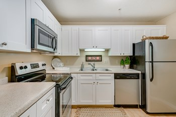 2285 Stewart Avenue 1-3 Beds Apartment for Rent Photo Gallery 1