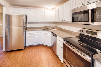 6201 Tahoe Road 2-3 Beds Apartment for Rent Photo Gallery 1